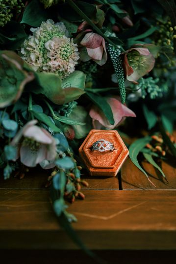 Wild bouquet and irish ring