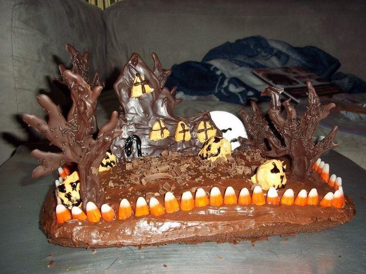 haunted house cak