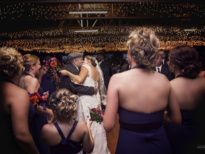 Tmx 1515254439 75798db9f4916330 1515254435 E27cf8229c4b8791 1515254412595 4 IMG 0154e Dubuque, Iowa wedding photography