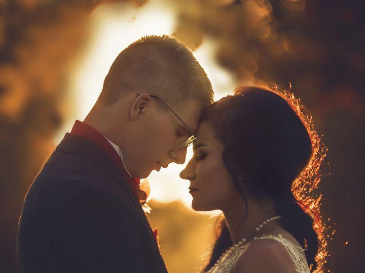 Tmx 1515254440 8aea917fe2b41635 1515254435 8995bd368b87ceb0 1515254412596 5 IMG 2312f 3 Dubuque, Iowa wedding photography