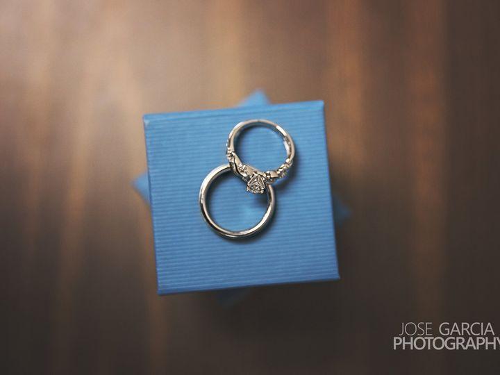 Tmx 1515722875 B6dea930232b921f 1515722870 B902d0156c2b404f 1515722850359 3 IMG 9395f Dubuque, Iowa wedding photography