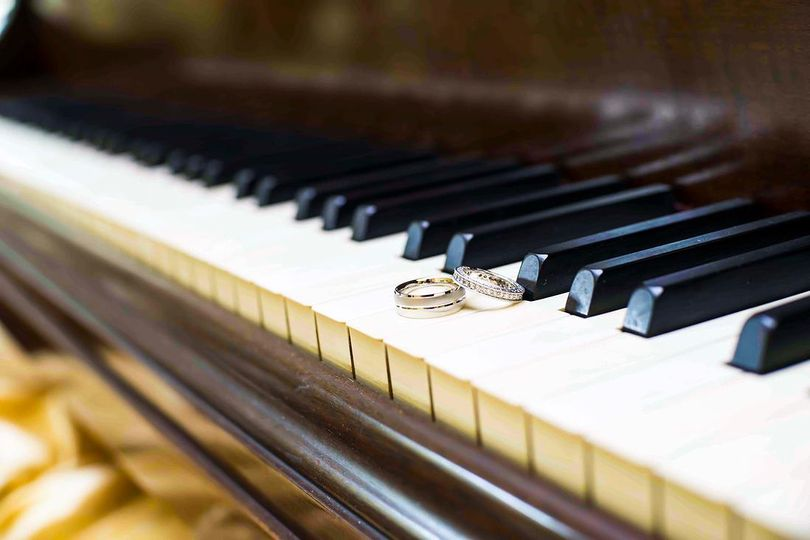 Rings in the key of love - Rob Rivera Photography
