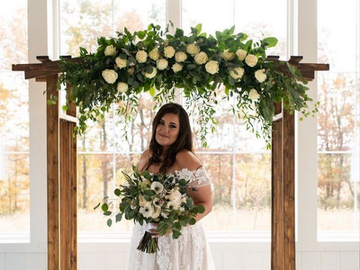 Tmx Screenshot 2021 01 18 Amour Floral Decor Amourneo216 Instagram Photos And Videos6 51 676465 161102205010562 Cleveland, OH wedding florist