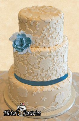 3-tier cake with blue details