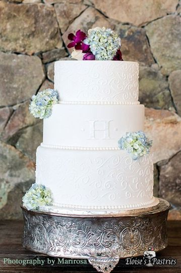 3-tier cake with flowers
