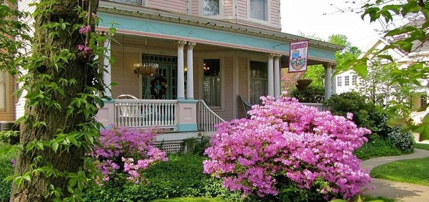 Exterior view of the Walnut Street Inn Bed and Breakfast
