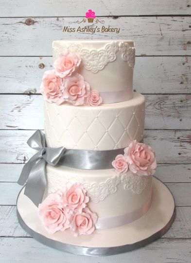 80626edc775d2c75 1528601541 f971ede9b9b47451 1528601538535 11 Wedding Cake Grey