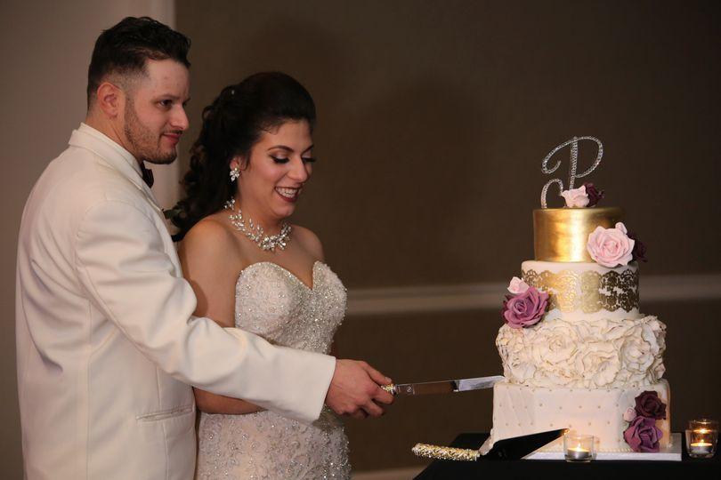 cake cutting 51 1019565 1562006978