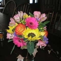 Bright and beautiful centerpiece