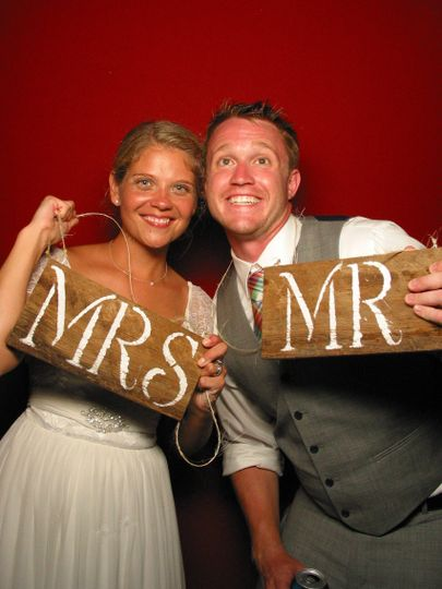 Mr and Mrs sign props
