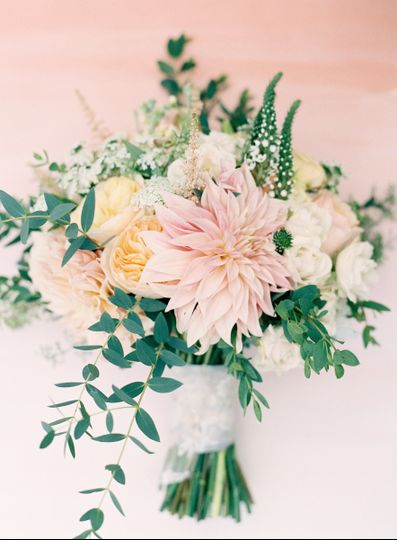 Pink arrangement | PC: Jen Huang Photography