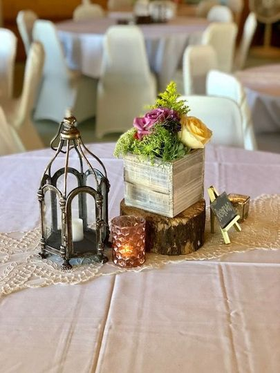 Round table decor