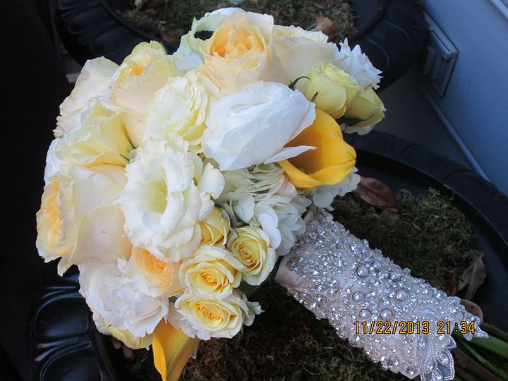 White and yellow arrangement
