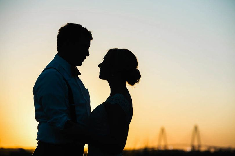 bride groom sunset ravenel alhambra hall charlesto
