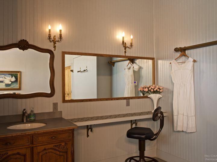 Tmx Gilbriar Brides Vanity Room 51 1056665 Fredericksburg, TX wedding venue