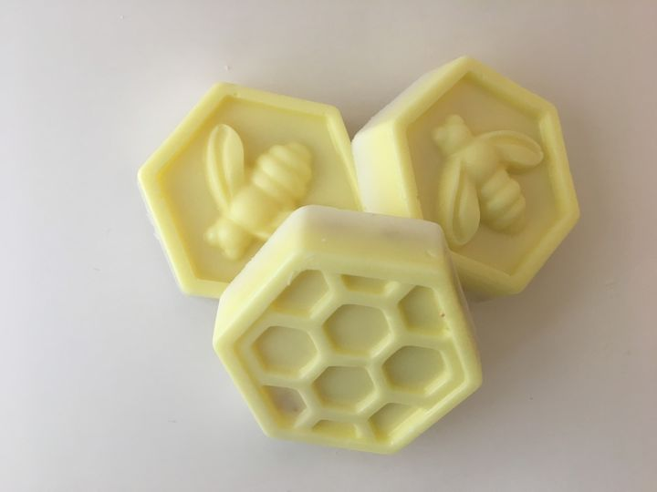 Mini Honey Almond Oatmeal Bee Soaps