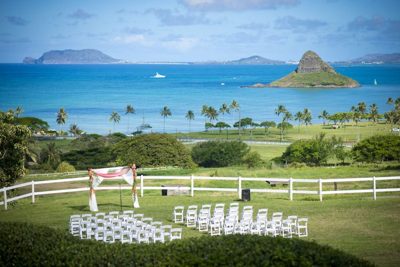 Kualoa Ranch Paliku Garden wedding Oahu Hawaii overlooking Kaneohe Bay and Chinamans Hat