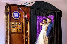 The Looking Glass Photo Booths