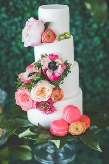 Mini Cake with Floral