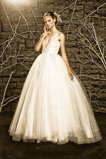 Binzario Custom Wedding Gowns - Dress & Attire - Dallas, TX ...