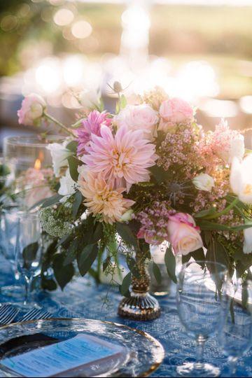 carolyn shepard design group flowers charlotte nc weddingwire. Black Bedroom Furniture Sets. Home Design Ideas