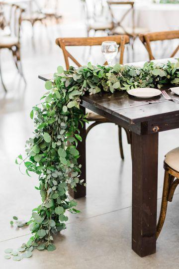 Head table greenery garland