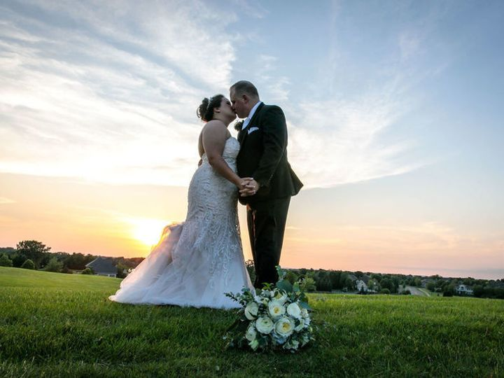 Tmx 1535119308 0f6a494846ca758b 1535119307 Cd5c522dec0a55fc 1535119308012 3 800x800 Lily Of Th Eden Prairie, Minnesota wedding florist
