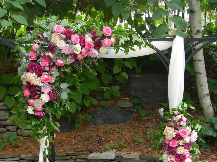 Tmx Dscn5877 51 989765 1569420083 Eden Prairie, Minnesota wedding florist