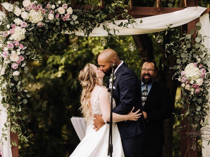 Tmx Img 4993 51 989765 160683830383353 Eden Prairie, Minnesota wedding florist
