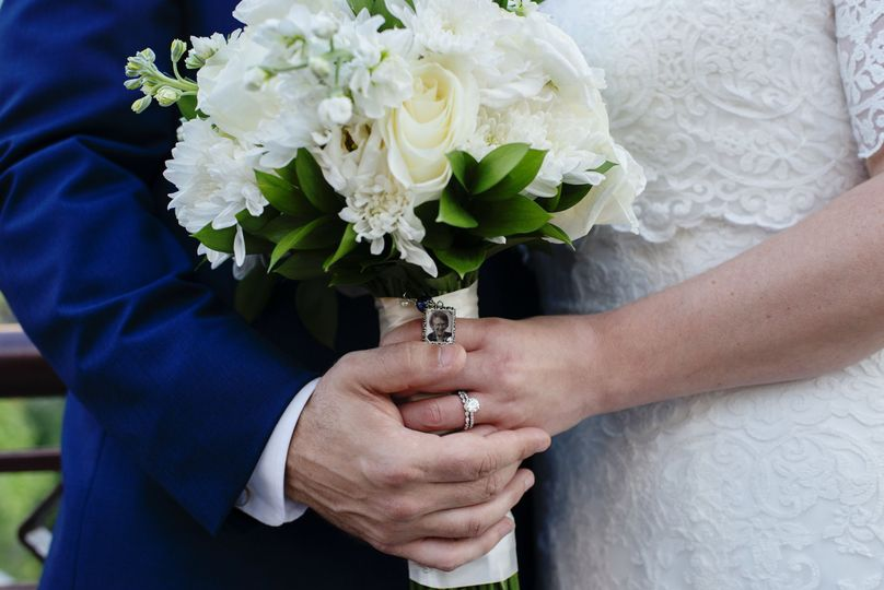 Bouquets with the ring
