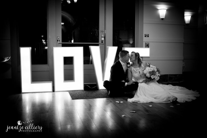 wedding facebook 1 51 1032865