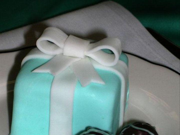 Tmx 1235490231919 TiffanyBoxeswithCakeBites Pittsburg wedding cake