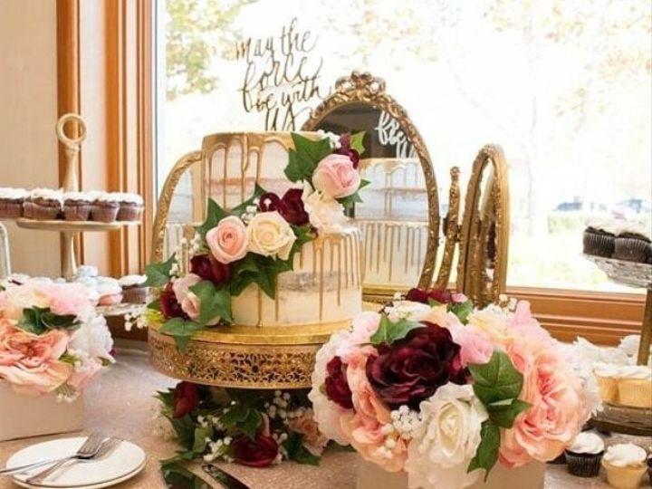 Tmx Romantic Cake Table Gold And Roses 51 1046865 159010532750116 Sacramento, CA wedding planner