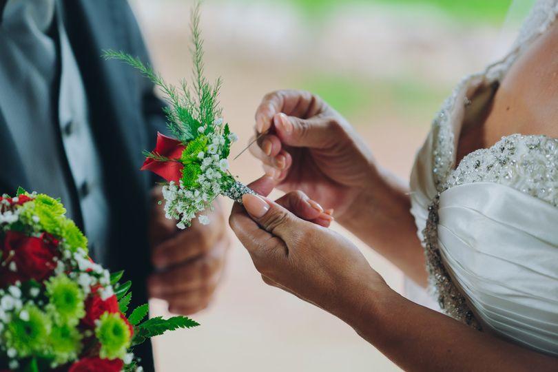 black bride groom boutonniere pic 51 1058865