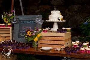 Tmx Chalkboard Cupcakes 51 1360965 158084377684848 Antrim wedding cake