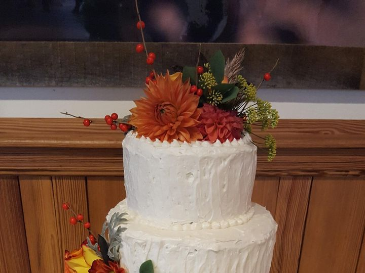 Tmx Fall Cake 51 1360965 158084388818187 Antrim wedding cake
