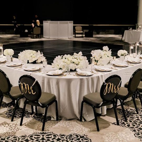 Couple's table layout