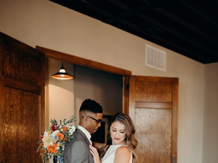 Tmx 1533847812 F01c1026c0d5cad5 1533847810 972dcc056ff5ac21 1533847810128 1 B 64 Grandview, MO wedding venue