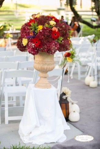 Floral arrangement for the entrance