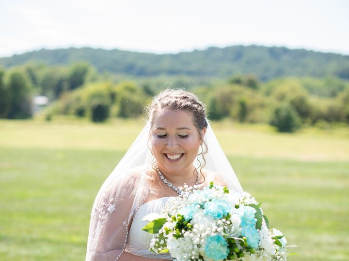 Tmx 77163548 2865688316776031 1579089016077156352 O 51 1064965 158153514077810 Mount Wolf, PA wedding beauty