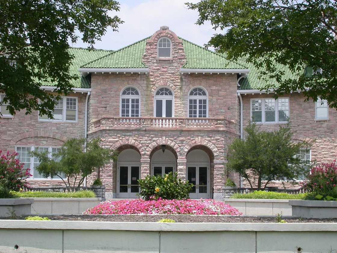 The Pink Palace Family of Museums
