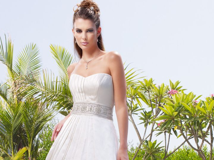 Tmx 1452626800651 B010cbcouture  wedding dress