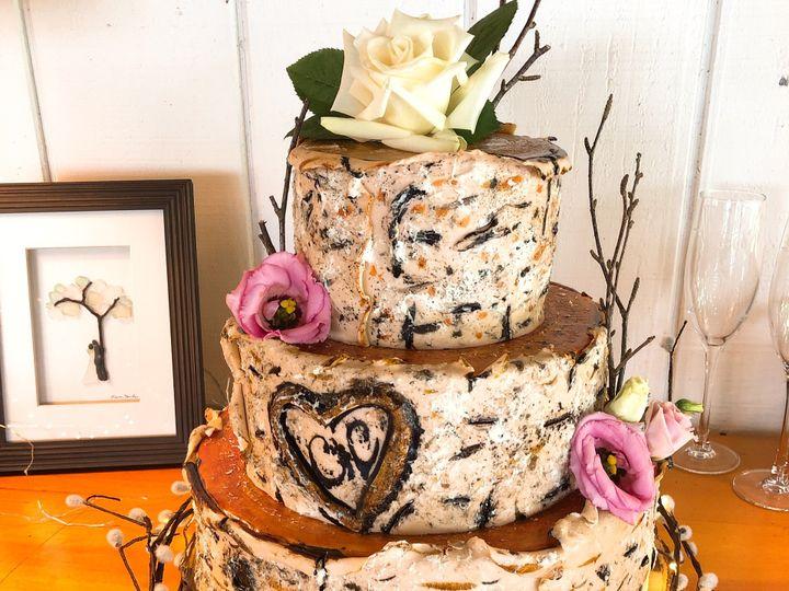 Tmx Img 8100 51 1979965 159650585262165 Moretown, VT wedding cake