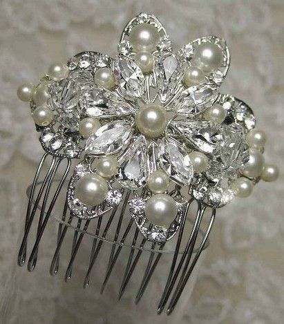 Diamond and pearl hair brooch