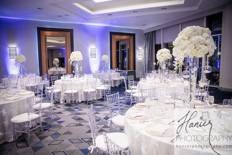 White wedding motif - hancer photography