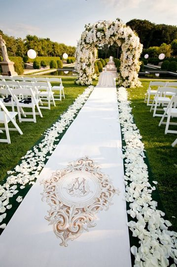 Wedding aisle and arch