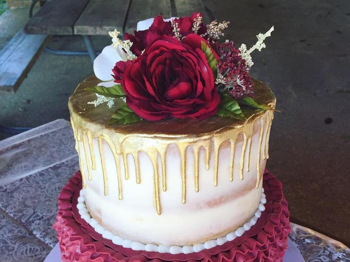 Tmx Burgundy And Gold 51 1044075 Vicksburg, MS wedding cake
