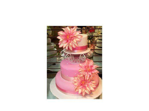 Tmx 1302048020271 Slide48 Blue Bell wedding cake