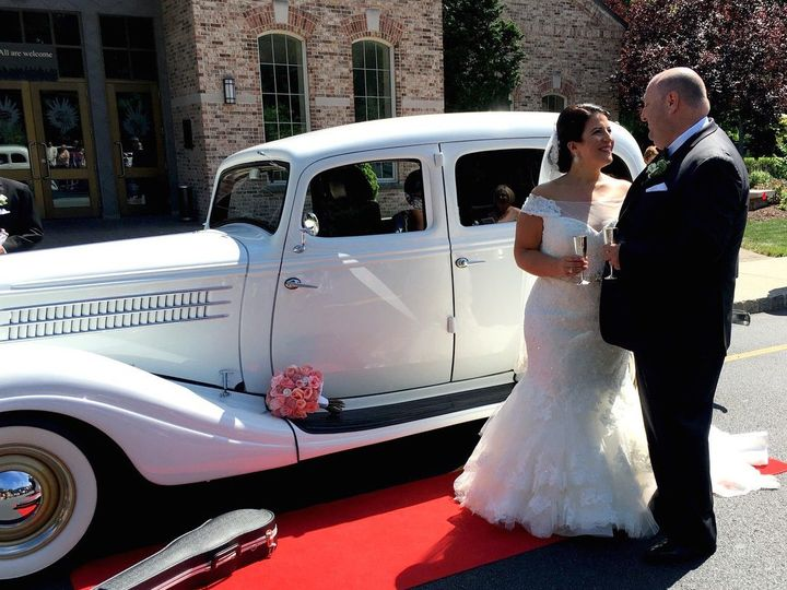 Tmx 1529419006 1ee6b3b5b9916b26 1529419005 E4b98a3f42c0e3bf 1529419003332 2 1 Lakeland, FL wedding transportation