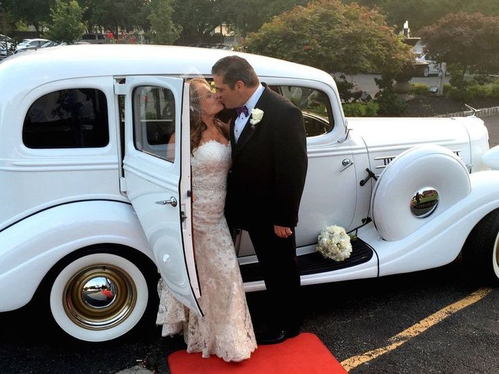 Tmx 1529419012 Cd0ab1bad4fb9687 1529419011 435b726120508cec 1529419003375 25 25 Lakeland, FL wedding transportation